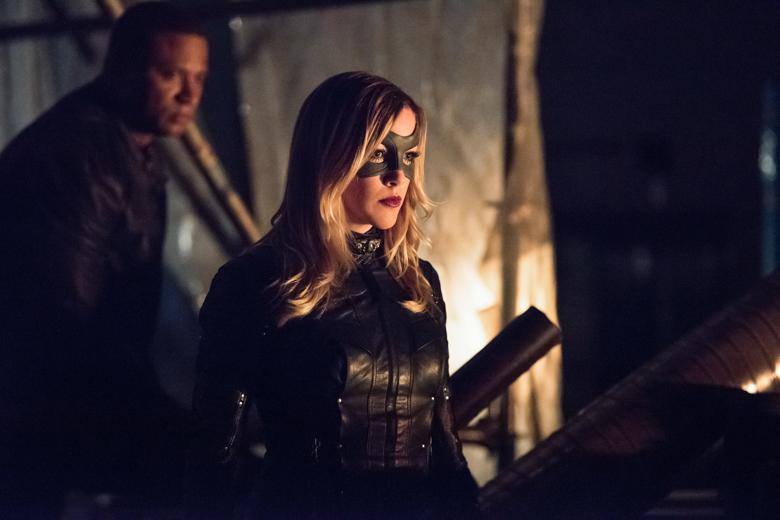 Arrow - David Ramsey and Katie Cassidy © Dean Buscher/The CW 2015